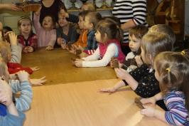Lūznavas un Ozolaines pagastu bērnudārza audzēkņi apmeklē muzeju Rēzeknē 22.02.2017._21