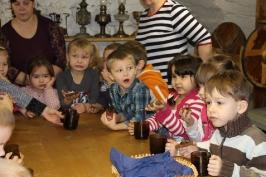 Lūznavas un Ozolaines pagastu bērnudārza audzēkņi apmeklē muzeju Rēzeknē 22.02.2017._35
