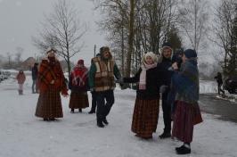 Senioru deju kolektīvs LŪZNAVA piedalījās Meteņdienas pasākumā Ozolaines pagastā 26.02.2017._21