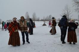 Senioru deju kolektīvs LŪZNAVA piedalījās Meteņdienas pasākumā Ozolaines pagastā 26.02.2017._22