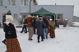 Senioru deju kolektīvs LŪZNAVA piedalījās Meteņdienas pasākumā Ozolaines pagastā 26.02.2017._28