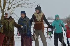Senioru deju kolektīvs LŪZNAVA piedalījās Meteņdienas pasākumā Ozolaines pagastā 26.02.2017._7